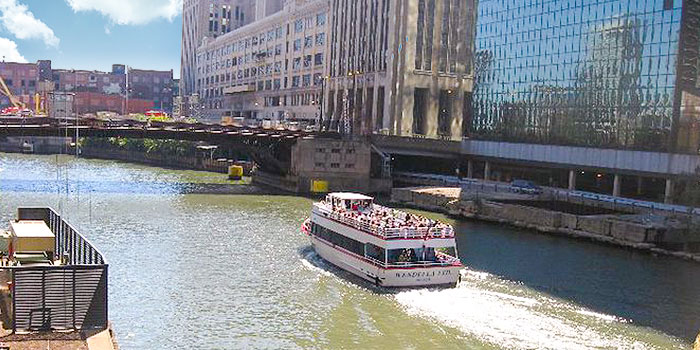 Picture of boat at Riverwalk Chicago